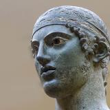 The Charioteer of Delphi: Close view to a masterpiece